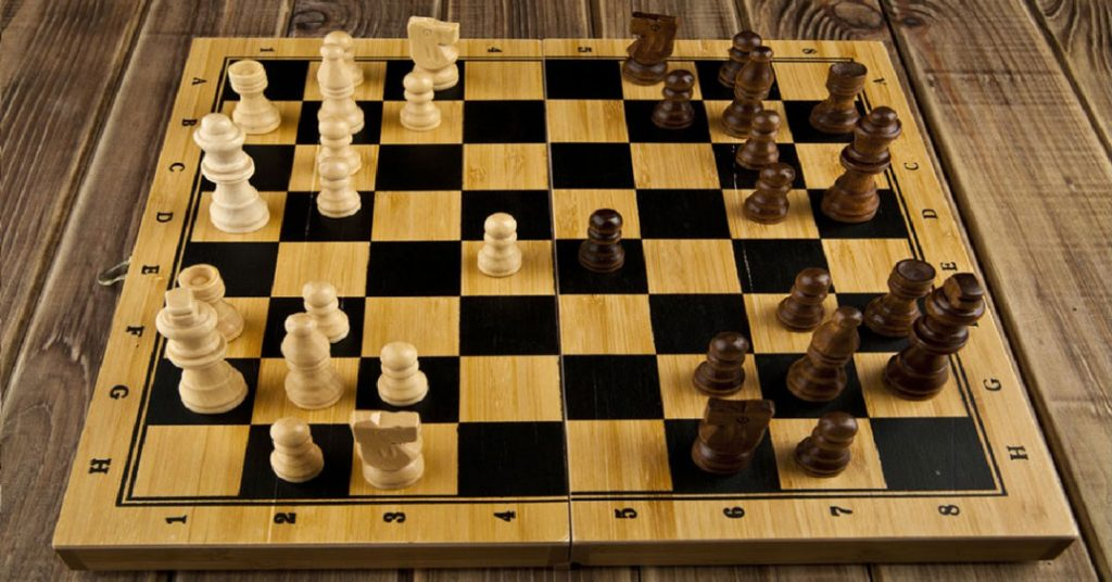 Top 8 Best Travel Chess Set Reviews of 2019