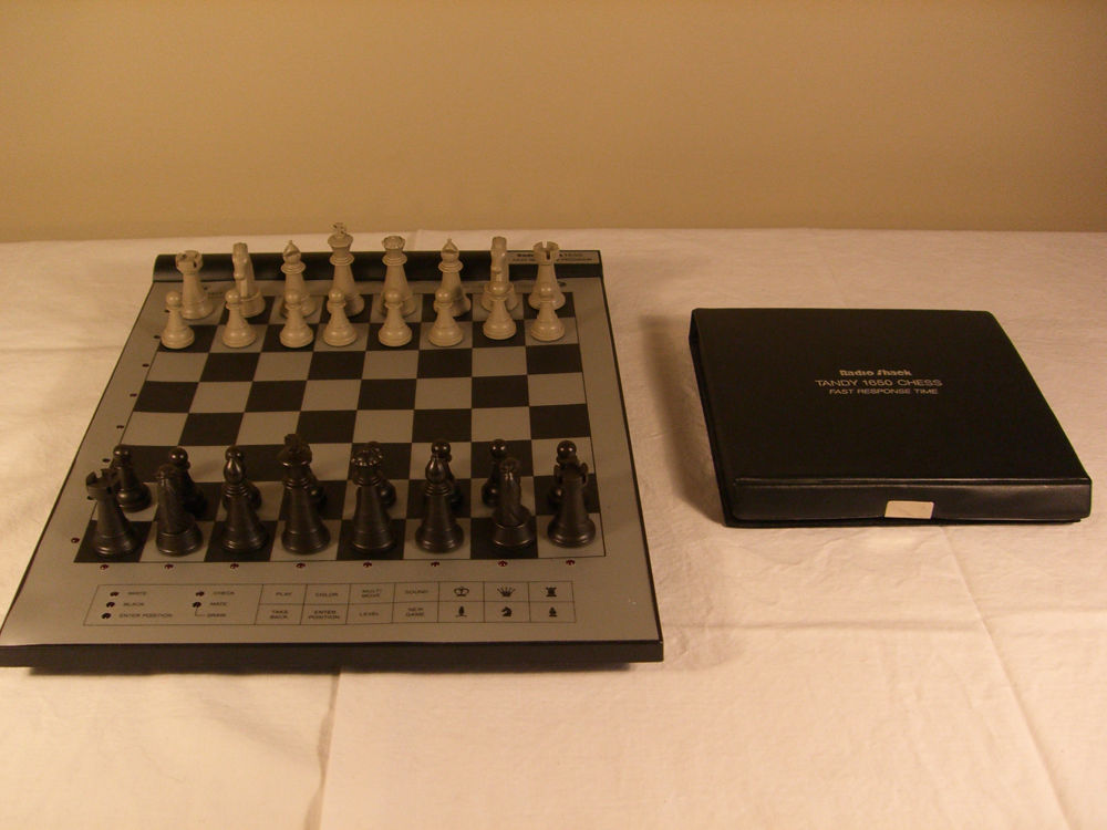 The 5 Best Electronic Chess Board Reviews: Test Your Logic 24/7!
